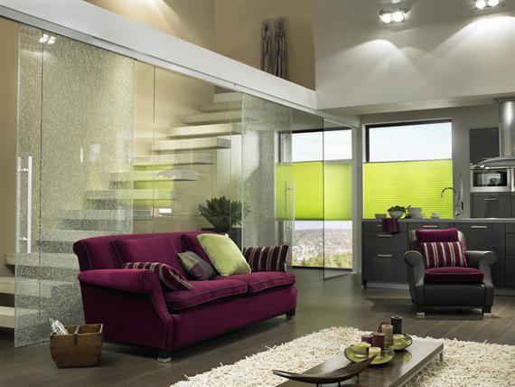 plissee sichtschutz und sonnenschutz f r fenster. Black Bedroom Furniture Sets. Home Design Ideas